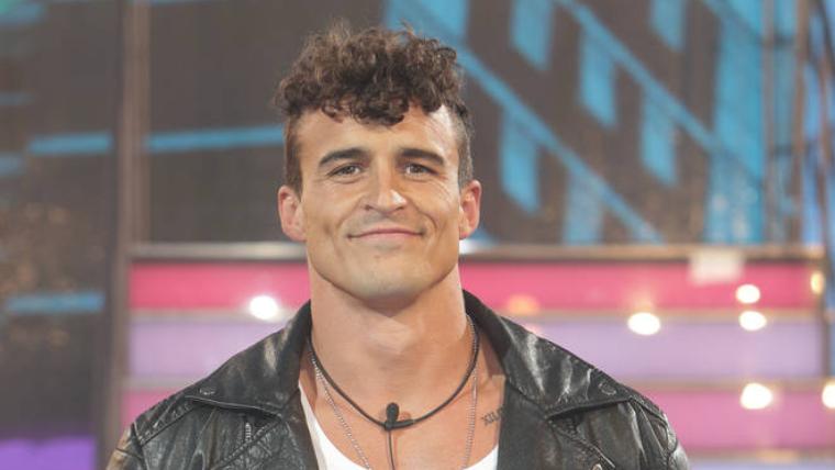 male strip show blog | Big Brother star Lotan Carter's penis insured for £12 million