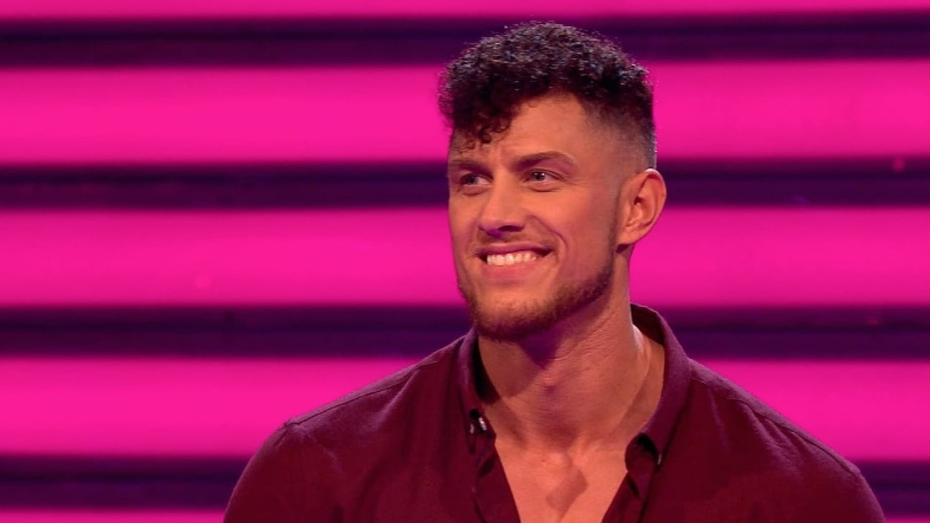 Male Strippers | Dreamboy James is on Take Me Out!